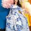 В одеянье бело-синем, расцветает девушка России